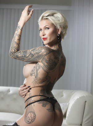 Tattooed Shemale Pics